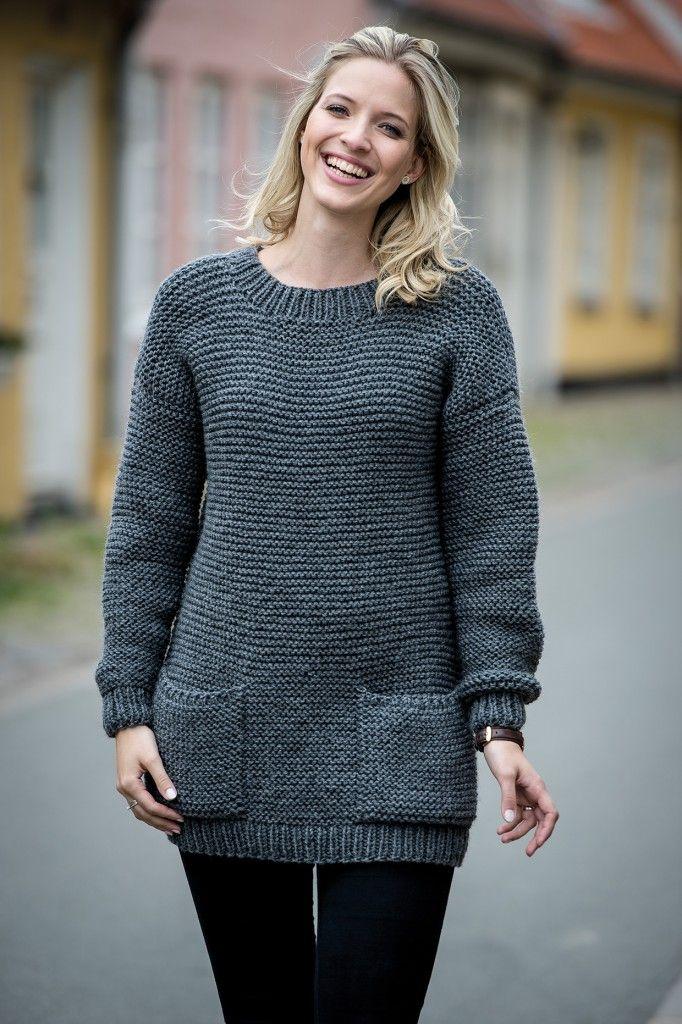 1503: Retstrikket sweater i dobbelt garn med lommer og V-hals bag i Mayflower. Fra Efterår/Vinter kollektion 2016. Mayflower Easy Care Classic. [Strikkeopskrift, Garn, Pattern, Knitting]
