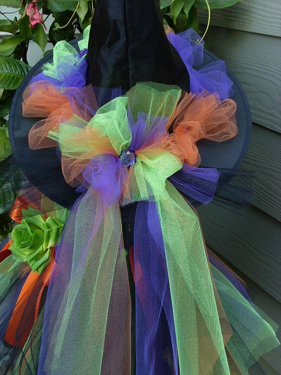Witch hat with tulle