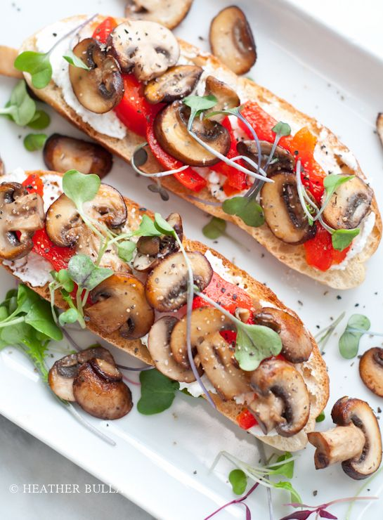 Toasted ciabatta, ricotta cheese, sauteed cremini mushrooms, fire-roasted red peppers, micro greens and salt & pepper.