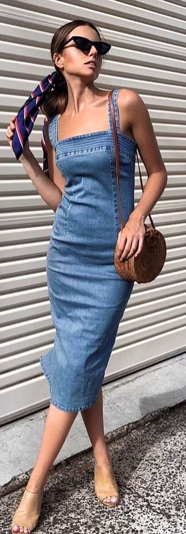 #spring #outfits  woman in blue denim square-neckline sleeveless dress standing near wall. Pic by @onefleur_