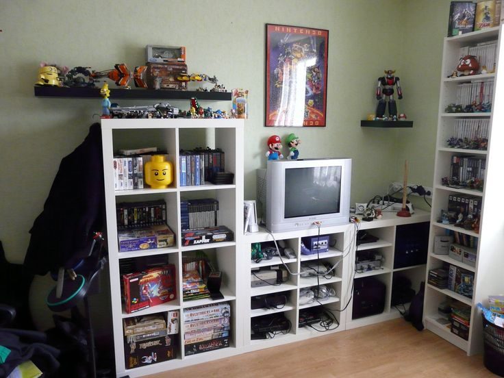 10 best images about gaming rooms and setups on pinterest toilets shelves and the floor - Chambre game but ...