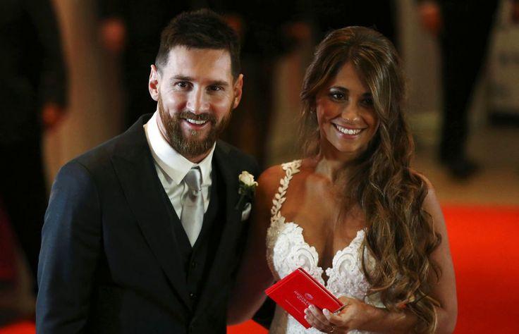 Messi vækker opsigt: Fræk hilsen fra konen   BT Fodbold - www.bt.dk