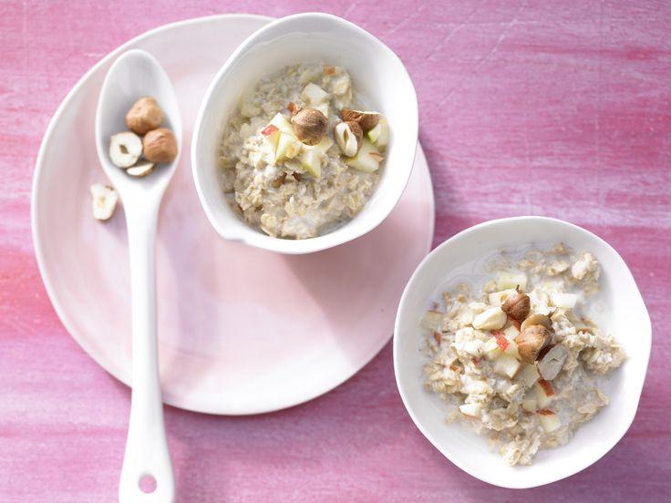 Bircher-Müsli – smarter - mit Haselnüssen - smarter - Kalorien: 504 Kcal - Zeit: 20 Min.   eatsmarter.de