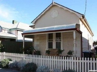 Period cottage in Semaphore, Adelaide. From $80 p/n sleeps 6 #petfriendly