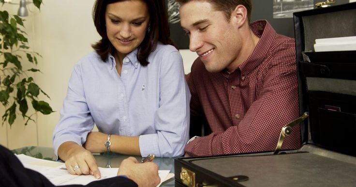 ¿Un banco puede denegar un préstamo si ya lo aprobó?. Los clientes de los bancos utilizan préstamos por varias razones, desde el financiamiento de un pequeño negocio a la compra de una casa. La obtención de un préstamo requiere un planeamiento cuidadoso y comparar varias opciones de préstamos disponibles, pero incluso si te han pre-aprobado o has recibido una notificación formal de la aprobación del ...