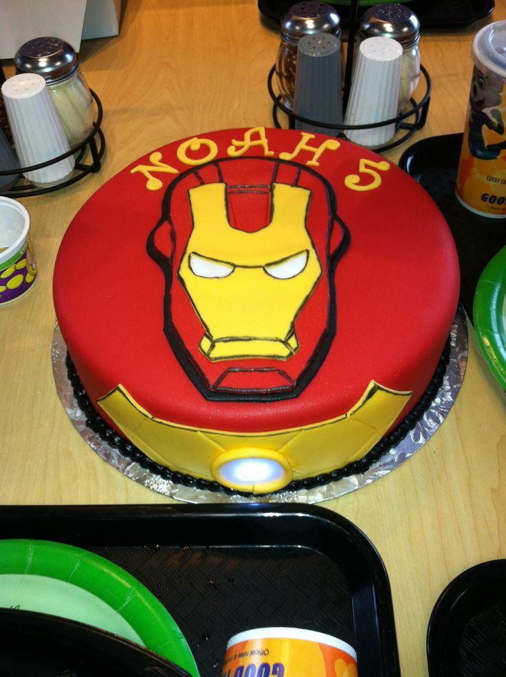 Cake Decorating Iron Man : 17 Best images about Iron man Cake on Pinterest Eyes ...