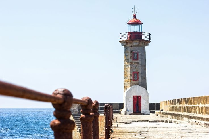 Felgueiras Lighthouse in Foz do Douro, Porto - Copyright Sergio Gutierrez Getino