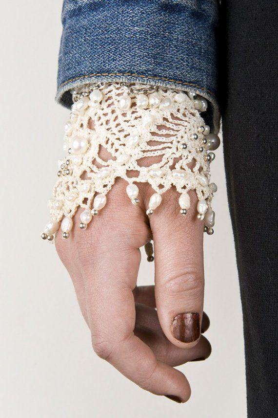 Crochet bracelet with fresh water pearls and by necessitysdaughter #crochetbracelet
