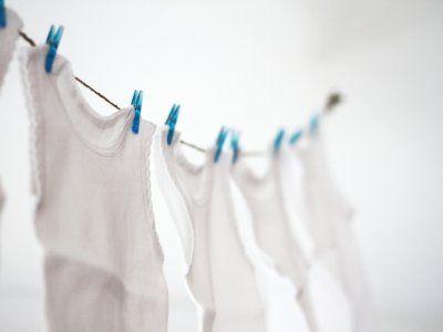 Receta de Cómo lavar ropa blanca | Te comparto mi secreto para aprender cómo quitar manchas de la ropa blanca.