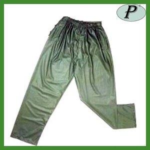 Pantalones impermeables P800 verdes en Planas, pantalones de poliuretano ligero con costuras selladas. Ver en: http://www.tplanas.com/epis/pantalones-recambios-y-complementos-impermeables/263-pantalones-impermeables-de-poliuretano.html