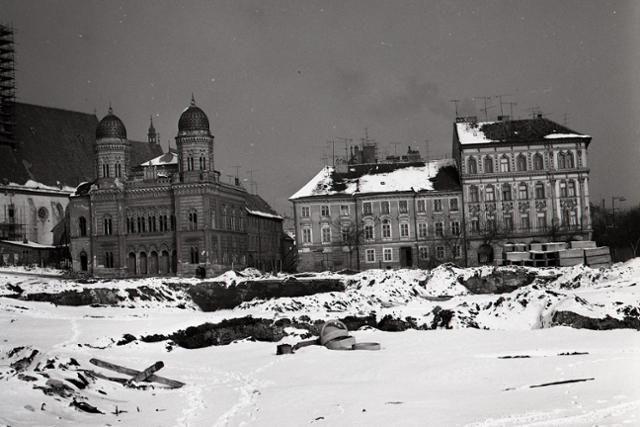 Rok 1969: Osud bratislavskej synagógy na vážkach - fotografie - Vtedy