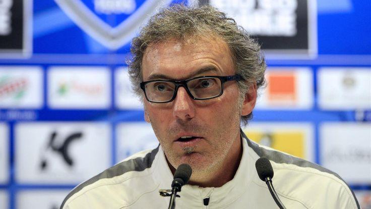 Laurent Blanc prend régulièrement des nouvelles de Serge Aurier - http://www.le-onze-parisien.fr/laurent-blanc-prend-regulierement-des-nouvelles-de-serge-aurier/