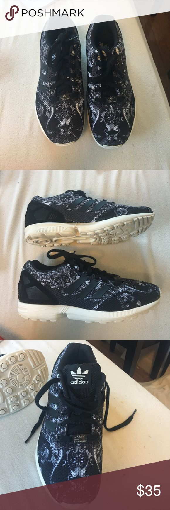 Adidas zx flux shoes Worn only twice! Super comfy adidas original zx flux tennis shoes. Beautiful pattern! Adidas Shoes Sneakers