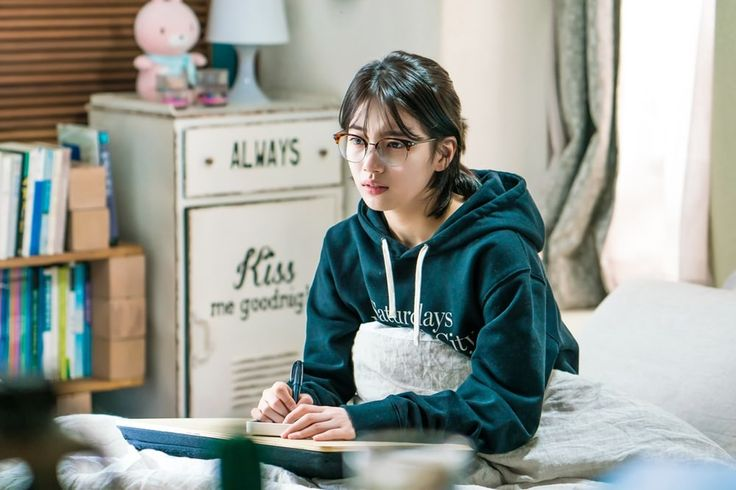 "Suzy Shows Off Her Short Hair In ""While You Were Sleeping"" Stills 