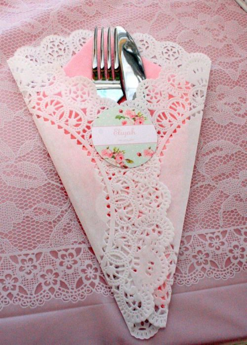 Tea Party Paper Doily Napkin Holder (Photo only) - Looks simple to make, yet adds a shabby chic touch to serving tea.