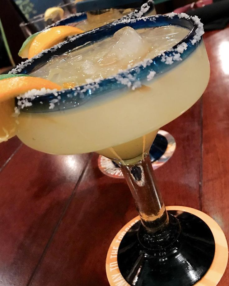 Todays #margaritaoftheday is from @bahamabreezeislandgrille in #troymichigan  #margarita #tequila #instacocktail