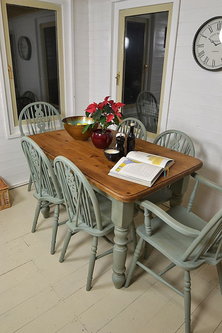 Painted farmhouse table and chairs - Dine In Style With This Gorgeous Farmhouse Dining Set Hand Painted In Annie Sloan Duck
