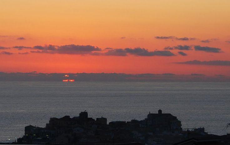 Non siete ancora mai stati in vacanza in #Calabria? Il 2014 è l'anno giusto per farlo! Cosa state aspettando? Scoprite #Diamante e le altre località del territorio. Contattateci SUBITO per un preventivo: http://www.hotelaphrodite-diamante.com