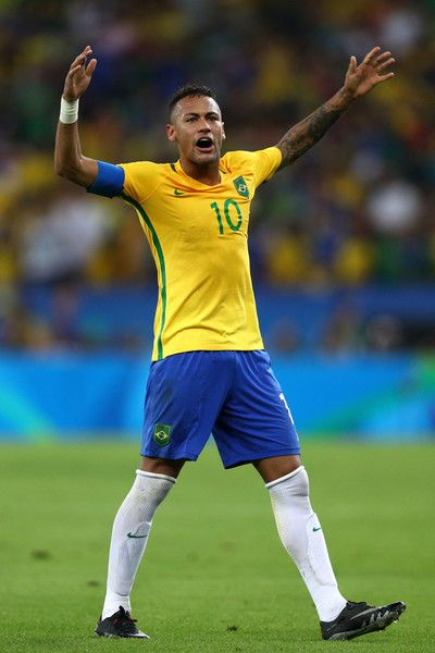 Neymar Photos - Neymar of Brazil reacts during the Men's Football Final between Brazil and Germany at the Maracana Stadium on Day 15 of the Rio 2016 Olympic Games on August 20, 2016 in Rio de Janeiro, Brazil. - Brazil v Germany - Final: Men's Football - Olympics: Day 15