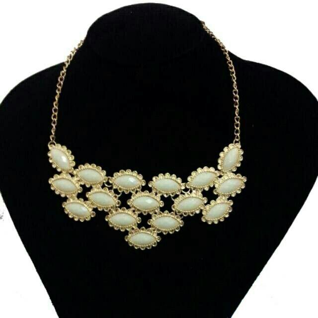 Saya menjual Sweety Triangle Neclace seharga Rp75.000. Dapatkan produk ini hanya di Shopee! http://shopee.co.id/deventostore/2405141 #ShopeeID