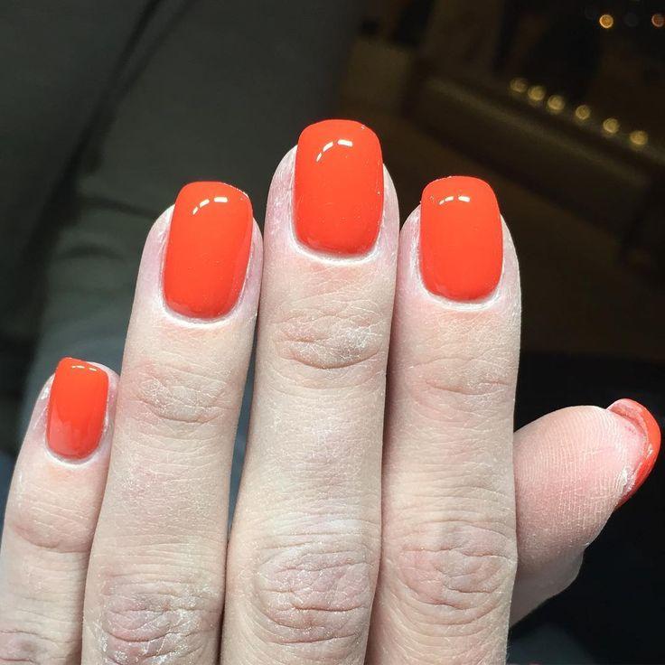 FÄRG  #americanbeauty #gellak #adelesnagelmakeri #ompysslad #naglar #nails #nailart #pronails #naildesign #naglariljusdal #gelnails #pronailssweden #pronailssverige