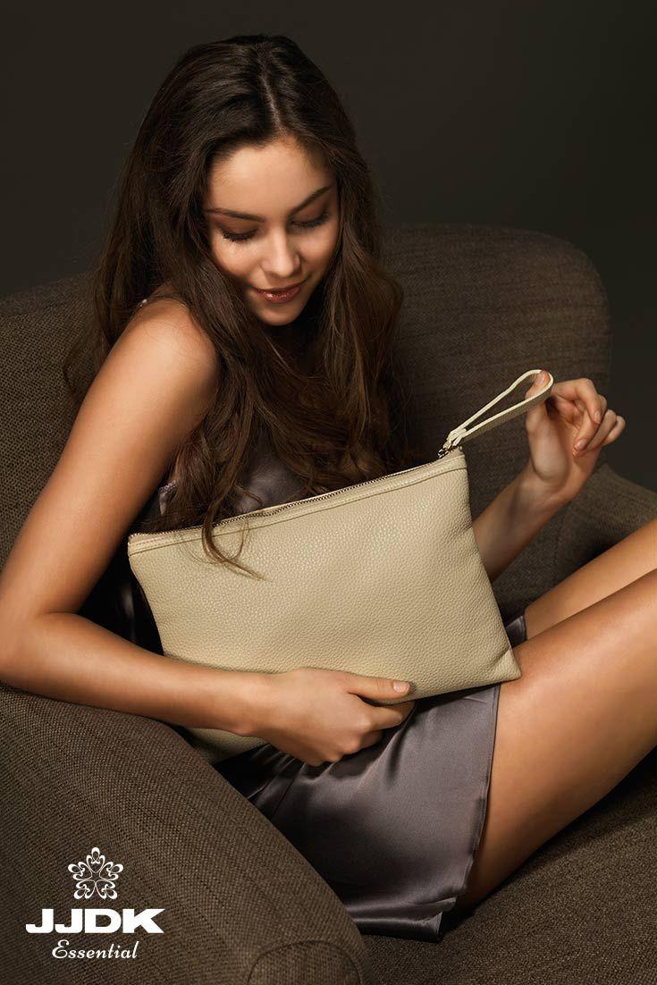 Bernadette Cosmetic bag I Essential