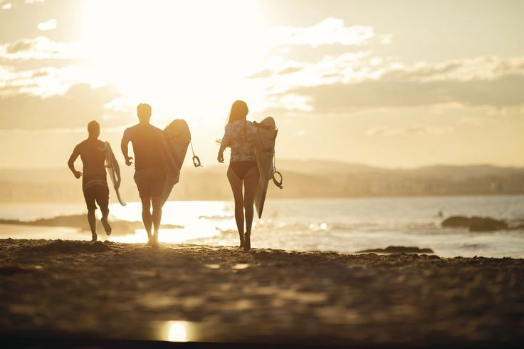 How to learn to surf in a weekend on the Gold Coast