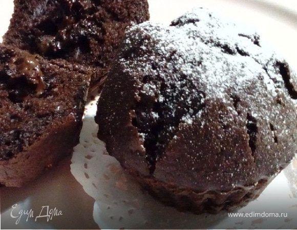 Теплые шоколадные кексы. Ингредиенты: сахар, сливочное масло, шоколад