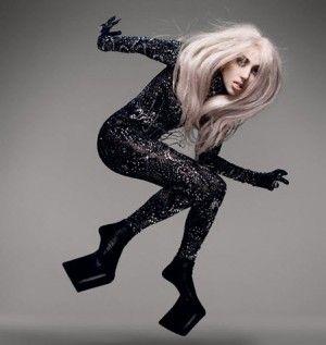 Chaussures à talons fantômes sur Lady Gaga