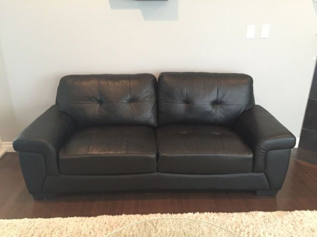 very good condition couch non smokers immediate and pick up only no schwarze couches for sale - Leather Couches For Sale