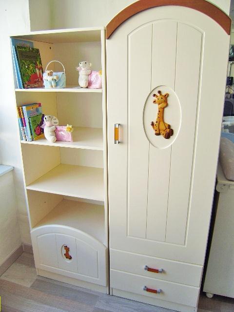Conjunto de armario y estanteria MICUNA Jirafa