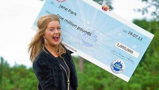 Jongste Britse EuroMillions-winnaar wil loterij-organisatie voor de rechtbank slepen - HLN.be