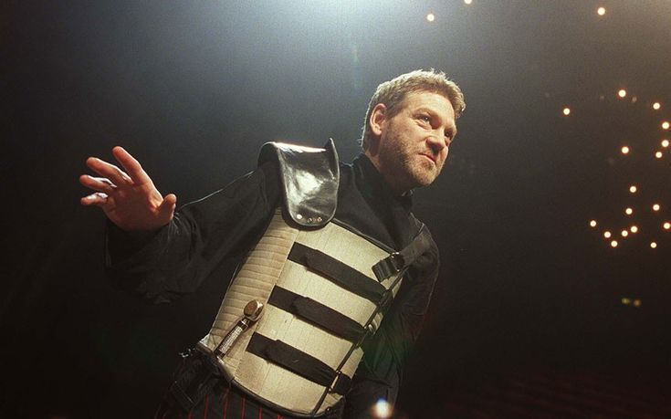 Kenneth Branagh under the Crucible Theatre lights in this Michael Grandage- directed production, Sheffield, 2002.