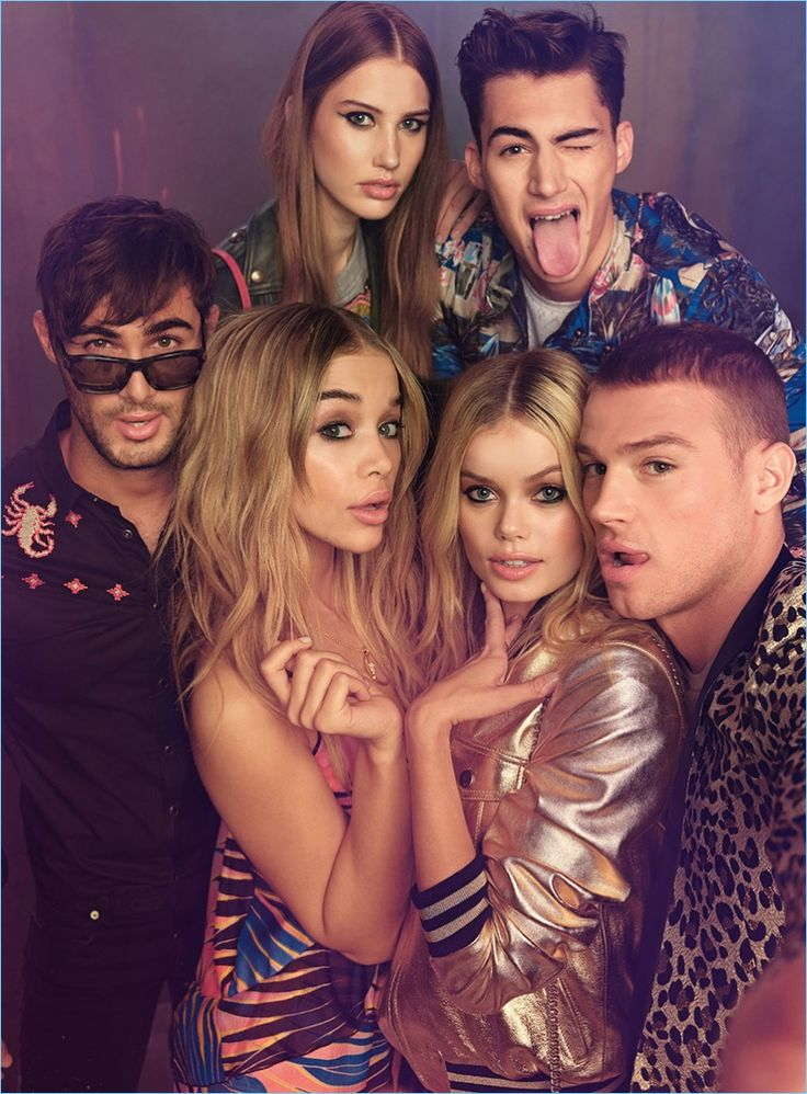 Posing for pictures together, Lucas Alves, Jasmine Sanders, Frida Aasen, Matthew Noszka, Julia, and Alessio Pozzi front Just Cavalli's spring-summer 2017 campaign.