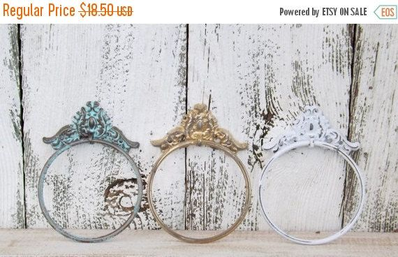 HOLIDAY SALE Towel Ring~Shabby Chic Bathroom~Rustic Towel Ring~Towel Holder~Kitchen Hand Towel Holder