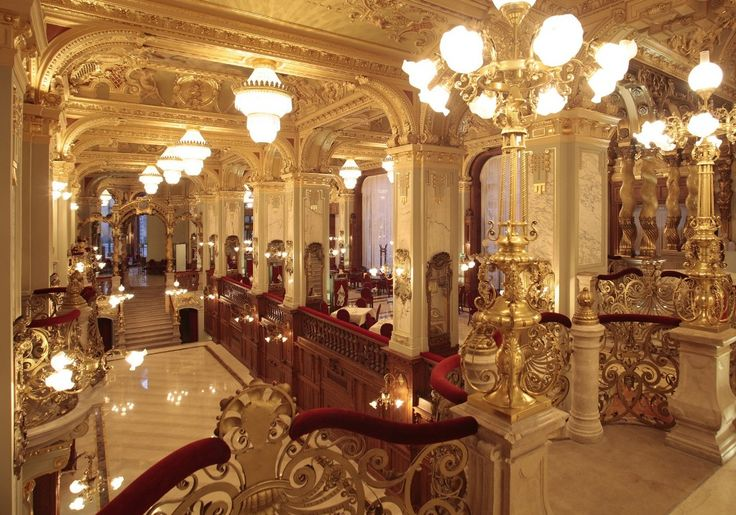 New York Cafe Budapest - best historical coffeehouses of Budapest
