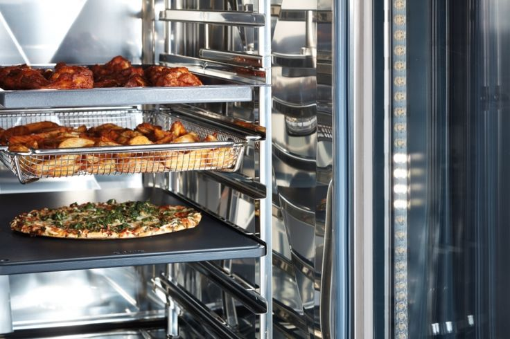 LED lighting with rack signaling.  Our new and innovative LED lighting ensures optimum illumination of both the cooking cabinet and each individual rack—top to bottom, back to front.