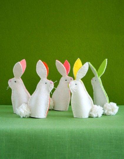 Coniglietti bianchi in pannolenci