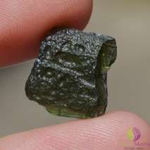 Cristale de Moldavit natural  https://www.stonemania.ro/cristale-rare-unicat/moldavit-unicat/