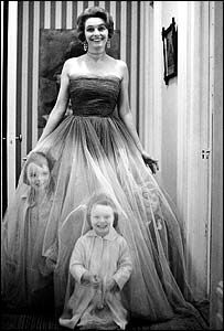 Photo of actress Patricia Neal and three of their children, taken by her husband and author Roald Dahl