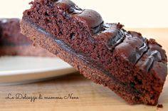 DELIZIOSA AL CACAO una golosa torta composta da due strati di diversa morbidezza, e nel centro come farcitura una crema al cacao.