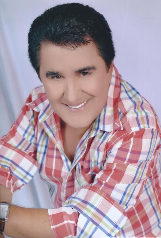 Angelo Máximo: Cantor dos anos 70 é empresário da gastronomia. Angelo Máximo (68) nasceu em Goiânia- GO, no ano de 1948 e aos 8 anos de idade já se...
