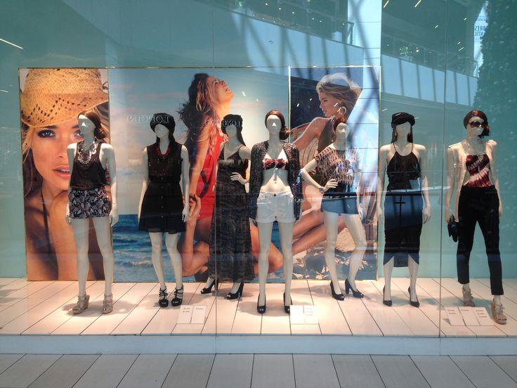 Summer H&M Chile Window