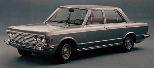 http://chicerman.com  carsthatnevermadeit:  Fiat 130 1969. Another one of 1969s new cars the 130 saloon had a 2.8 litre 60 V6 (later enlarged to 3.2 litres). It was the largest most luxurious Fiat of the modern era but was not replaced when production ended in 1976 after 15000 cars had been built. Fiat never again marketed a large luxury car  #cars