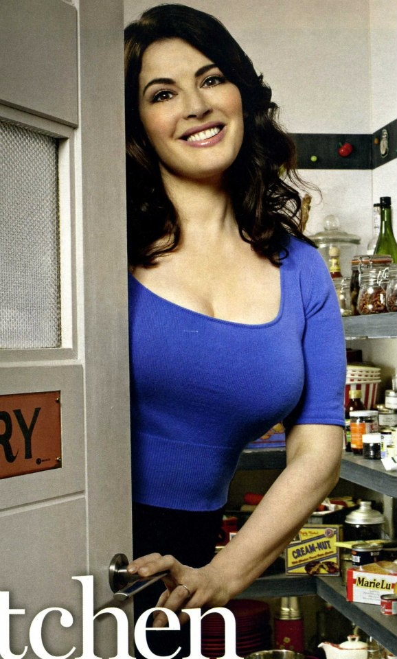http://hotpicsat.info/wp-content/uploads/2013/04/Nigelle-Lawson-hot-pics-1.jpg Nigella Lawson is a British food writer, journalist and broadcaster. She started her career with a job under publisher Naim Attallah. She started her journalism career at the age of 23 and started writing for The Spectator and at the age of 26 she became the deputy literary editor of The Sunday Times in 1986