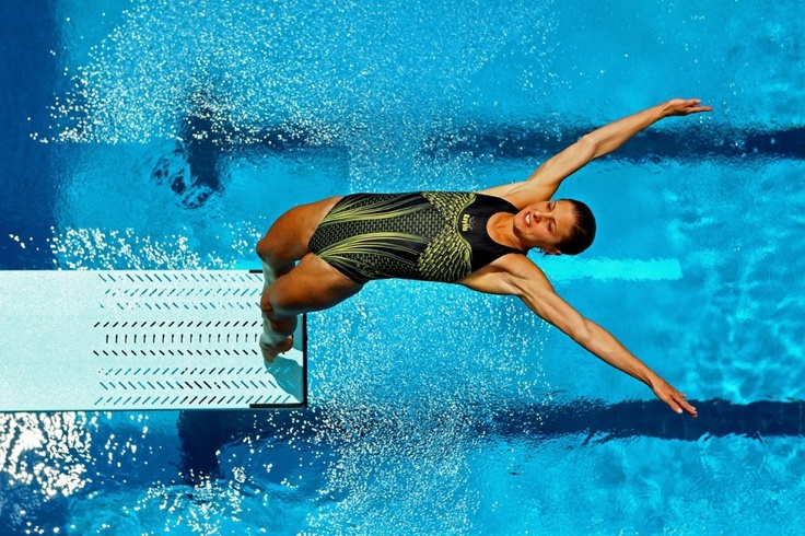 Sharleen Stratton of Australia dives during the Womens 3m Springboard Semi Finals at the Fort Lauderdale Aquatic Center on Day 1 of the AT USA Diving Grand Prix on May 10, 2012 in Fort Lauderdale, Florida.    %>