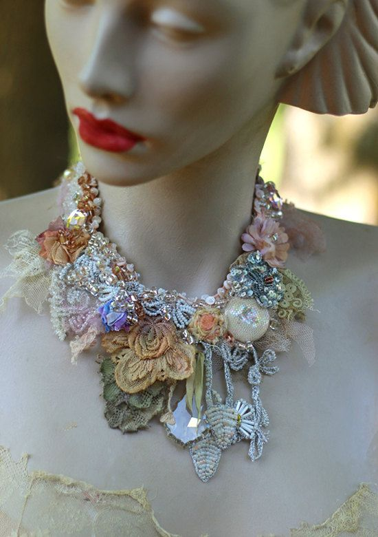 Palazzo necklace delicate shabby chic embroidered par FleursBoheme