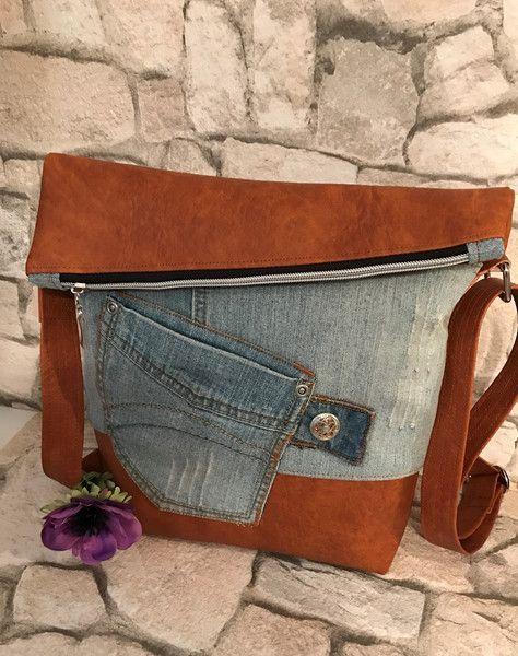Schultertaschen - FoldOver Tasche, Jeans Upcycling! - ein Designerstück von Kleine-Wollbude bei DaWanda