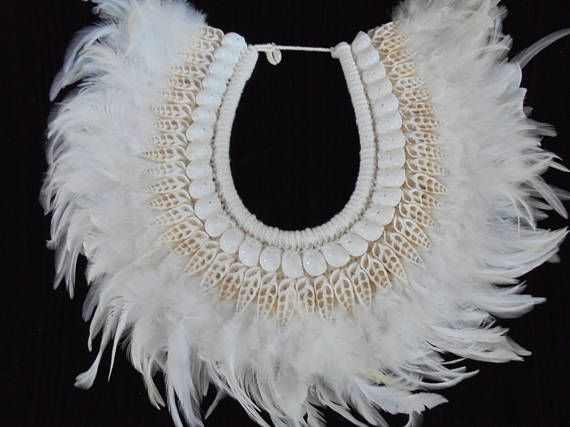 Beauty White Shell and Feather Necklace Papua Art Jewelry