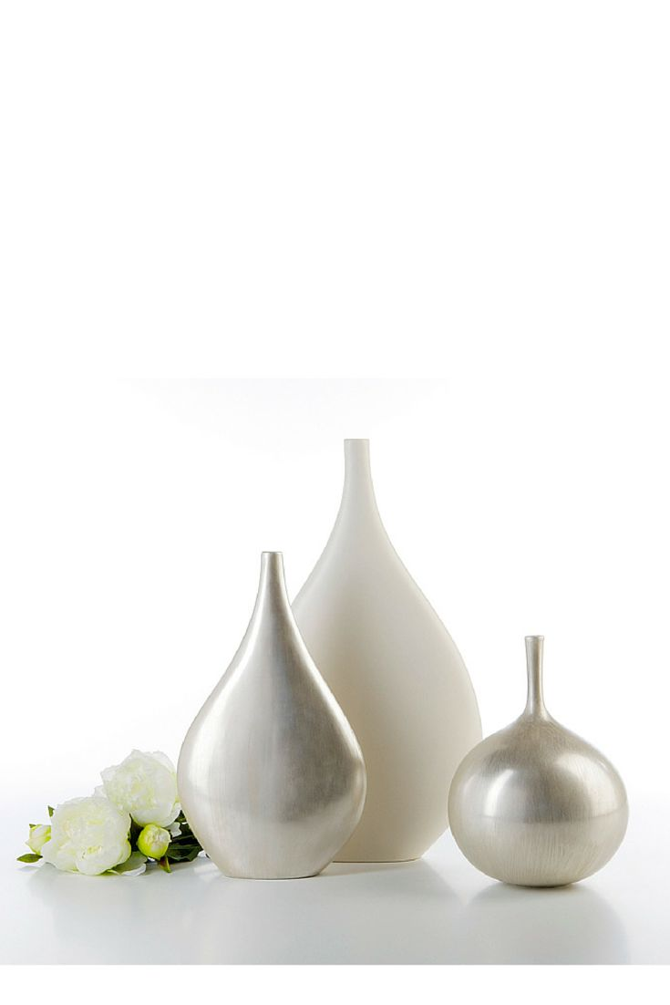 Tear & Apple #ceramics #homelivingceramics #jar #vase #white #shiny #homeaccessories #interiordesign | www.arfaigm.com